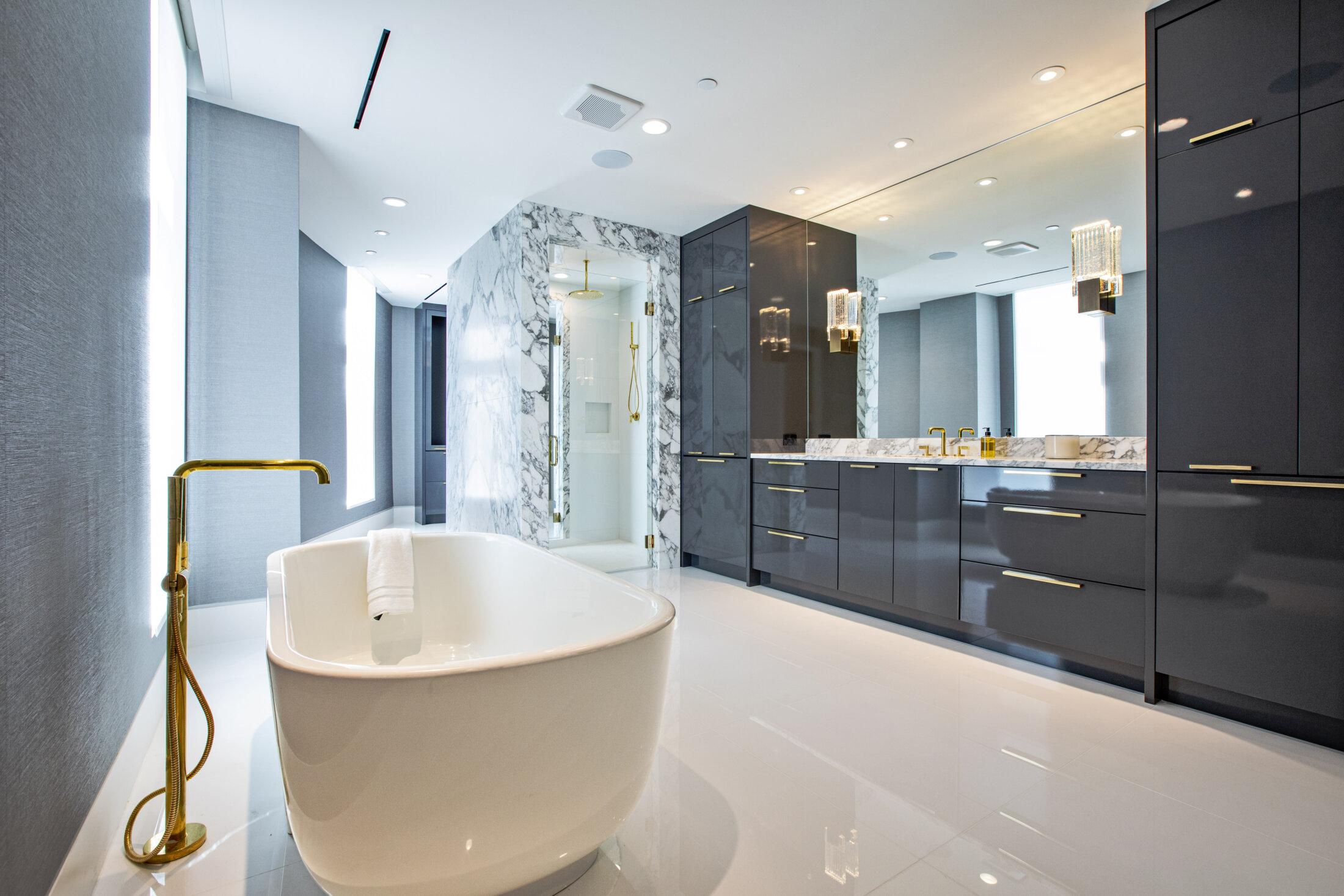 Bathrooms - Custom Home Builder Dallas, Texas