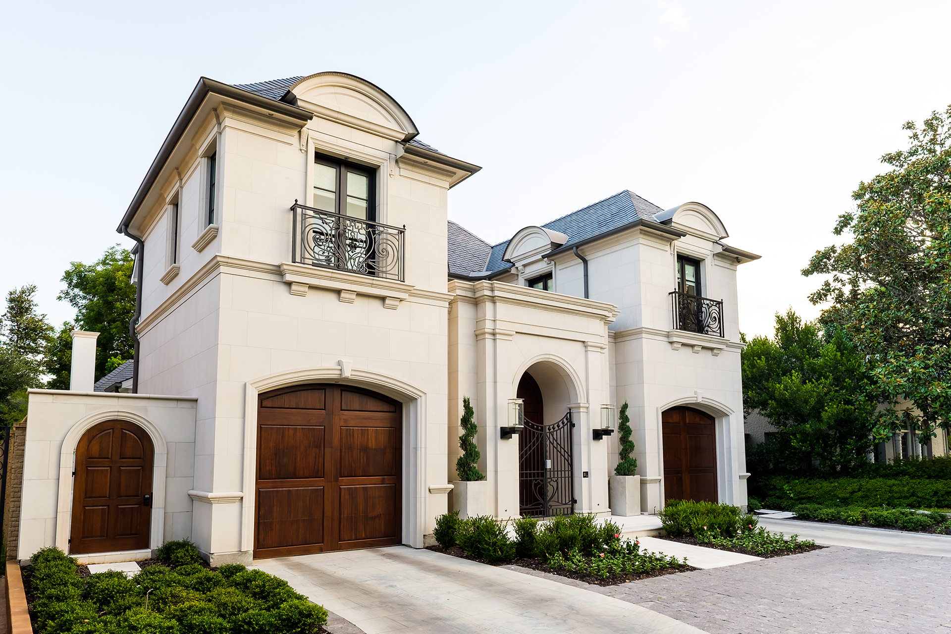 Exteriors-Platinum-Homes-by-Mark-Molthan-19