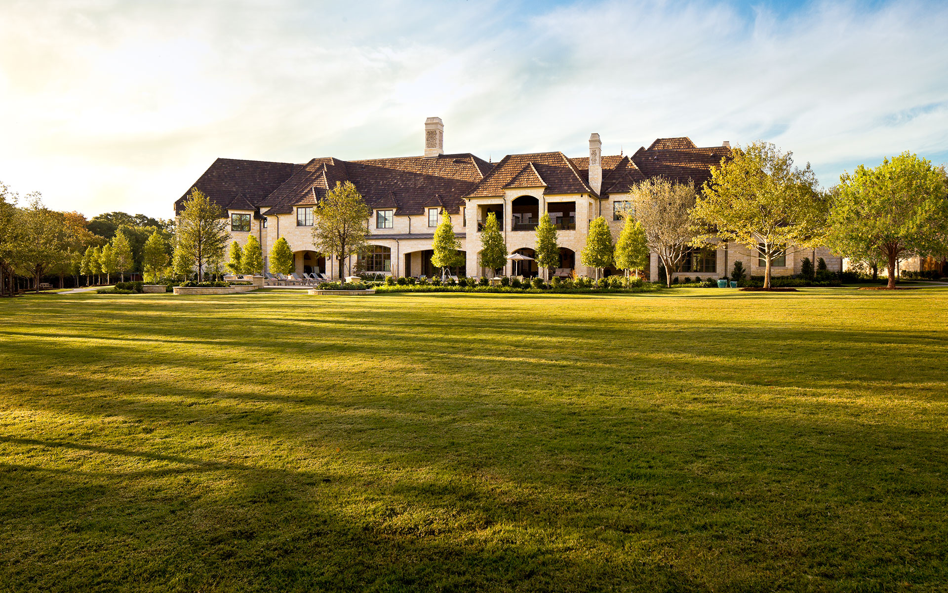 Exteriors-Platinum-Homes-by-Mark-Molthan